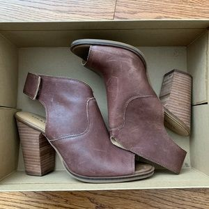 Lucky Brand Lizette Open Toe Leather sz 8